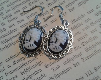 Gothic skeleton Lady earrings