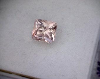 Well cut 2.32ct Sparkling Peach Princess Cut Morganite, Brazil