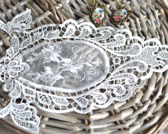 Lace applique I Lace trim I Embroidered patch I Wedding lace I Baroque patch I Vintage lace I Applique I Patch I Sew on patch I Patches