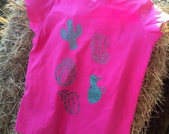 Girls cactucs v-neck t-shirt!