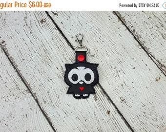 Summer Sale Skelli Owl Keychain/Zipper Pull