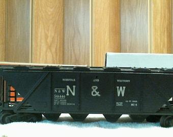 LIONEL Model Train Car #6446 N&W COVERED QUADHOPPER