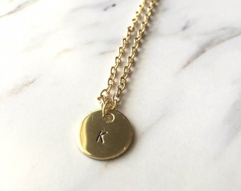 Single initial gold round charm necklace, personalized gold circle necklace, gold initial necklace, small gold circle letter