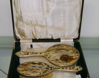 Beautiful Vintage Dresser Set Brush And Comb In Original Box