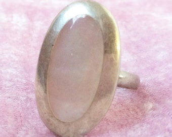 Mother of Pearl and Sterling Silver Oval Ring