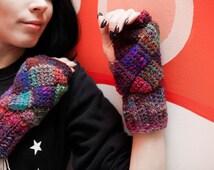 "Women's Warm Worsted Tunisian Mittens ""Christmas Glögg"" Noro Yarn Wool Silk Mohair Crochet Entrelac"