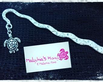 A bookmark chic and unique! And Lattari turtle!