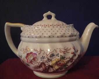 Beautiful Tea Pot  made by royal doulton grantham 5472