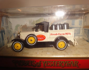 matchbox die cast y35-1, w.clifford 1930 ford model A pick up brand new