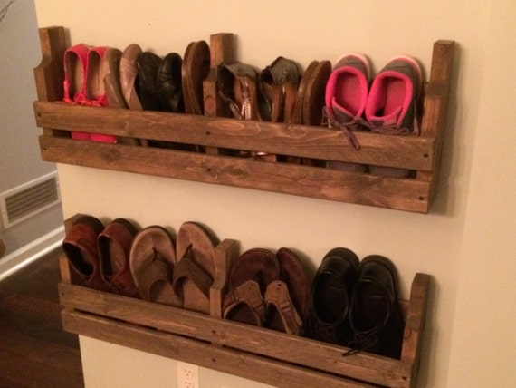 Shoe rack rustic shoe rack pallet shoe rack rustic by for Diy wall shoe rack