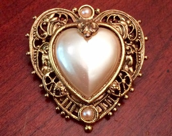 Vintage 1928 Brand Goldtone Brooch Pin Pink Heart Motif