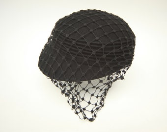 VINTAGE | Black wool structured pillbox hat with netting veil