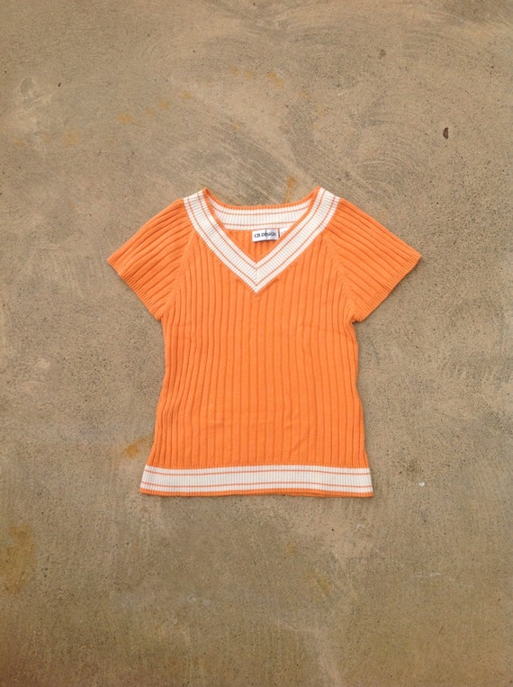 Vintage 70s ribbed knit top // Short sleeve sweater // Orange Cream V-neck top // 70s School girl // Size SMALL