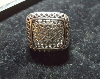 Lacey cut silver ring