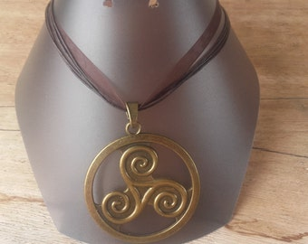 Triskel bronze and Brown necklace