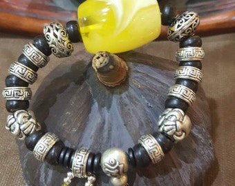 Original designed of the white cloudy amber bracelet,Main material:White cloudy amber、925 Silver、Coconut husk