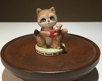Small figurine of racoon and squirrel - EP0091