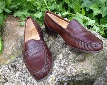 Vintage Brown Low Heel Kurt Geiger Loafers