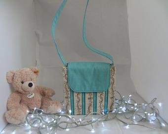 Beautiful crossover bag