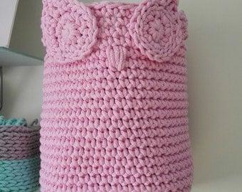 Baby pink owl basket