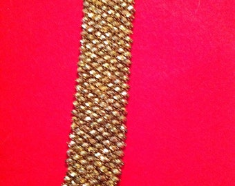 Golden crystal netted bracelet