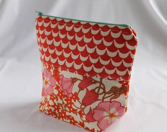 Small Lined Project Bag - Red Scallop and Red Floral Patchwork Knitting Crochet Bag