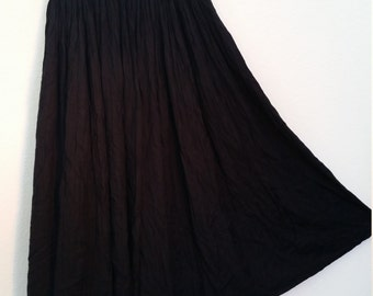 90s Black Broom Skirt. Black Crinkle Skirt. Long Black Skirt. Size Medium