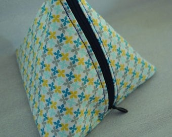 KIT TRIANGLE blue and yellow flowers