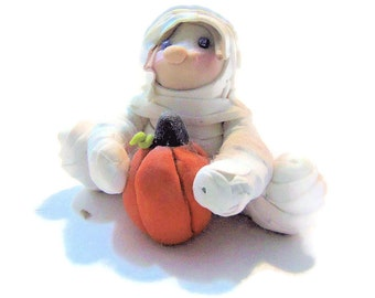 Halloween Mummy Custom Figurine - Mummy Trick or Treat - Pumpkin