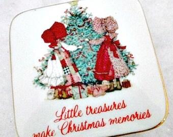 Christmas Holly Hobbie Vintage Porcelain Trinket Treasure Memory Box
