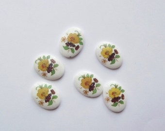 ON SALE Vintage glass flower cabochons