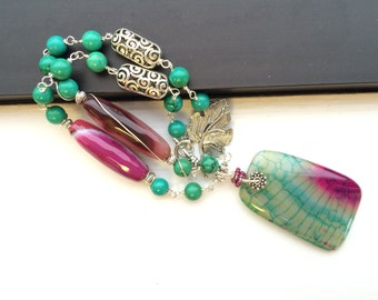 Magenta and Teal Agate pendant bead necklace