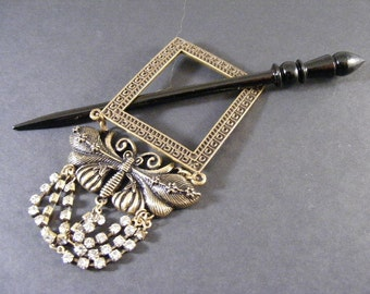 Art Nouveau Antique Brass Finish Butterfly Shawl Pin with Rhinestones... Lot 429166
