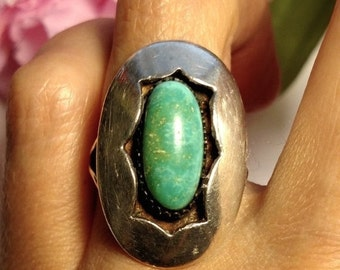 Huge 1960s Vintage Turquoise Sterling Silver Vintage Native American Shadow Box Style Ring Size 5.5
