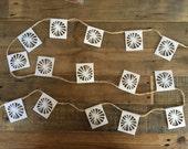 garland of 15 mini starburst sail flags