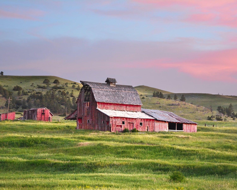 Sweetgrass Barn Landscape Photography