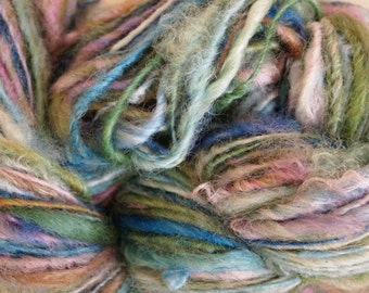 OPAL GLASS Handspun Wool Yarn Coopworth Yearling Fleecespun 137yds 3.1oz 8wpi aspenmoonarts knitting artyarn green blue pink