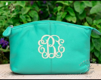 Monogrammed Leather Cosmetic Bag - Personalized Leather makeup case, monogrammed bridesmaids bags, natural leather make up bags