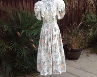 Vintage 80s Jessica McClintock rose print party dress ~ tea party ~ romantic ~ lace trim