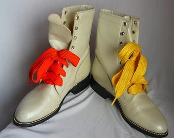 Vintage Pearl WHITE Leather Ankle Boots  size 6 .5  B Eur 37 UK 4 High Top DIAMOND J Granny Lace Up Oxfords