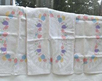 Linens, Napkins, Linen Placemats, Damask Linens, Vintage Linens, Floral Linens, Linens Set, 1960's Linens, Floral Placemats, Floral Napkins