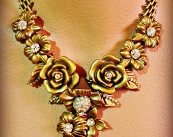 MONTE CARLO statement necklace