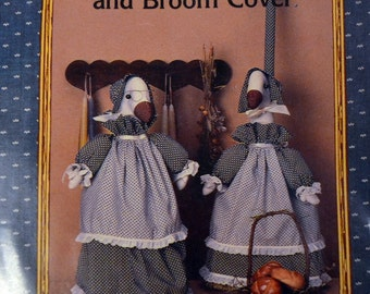 Sewing Pattern  Dolly Duck Doorstop and Broom Cover Country Patterns Uncut