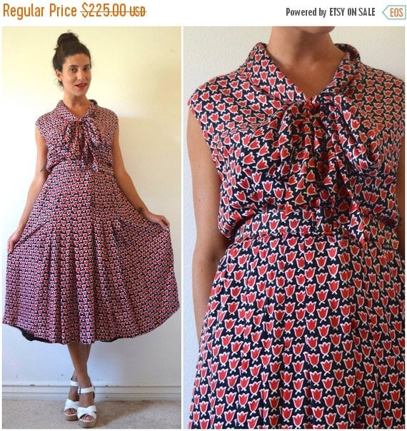 SUMMER SALE / 20% off Vintage 50s 60s Red Black and White Tulip Print Silk Kitten Bow Collar Shirt Waist Dress (size large)