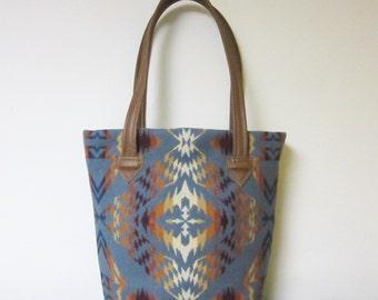 Bucket Bag Purse Tote Bag Wool Brown Leather 5 Pockets Blanket Wool from Pendleton Oregon
