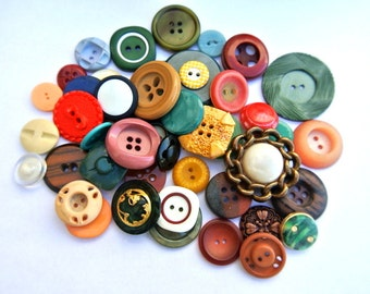 50 Antique and vintage plastic buttons, 50 designs in great price / 3