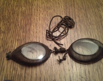 Vintage Glass & Wire Screen Goggles in Tin Box