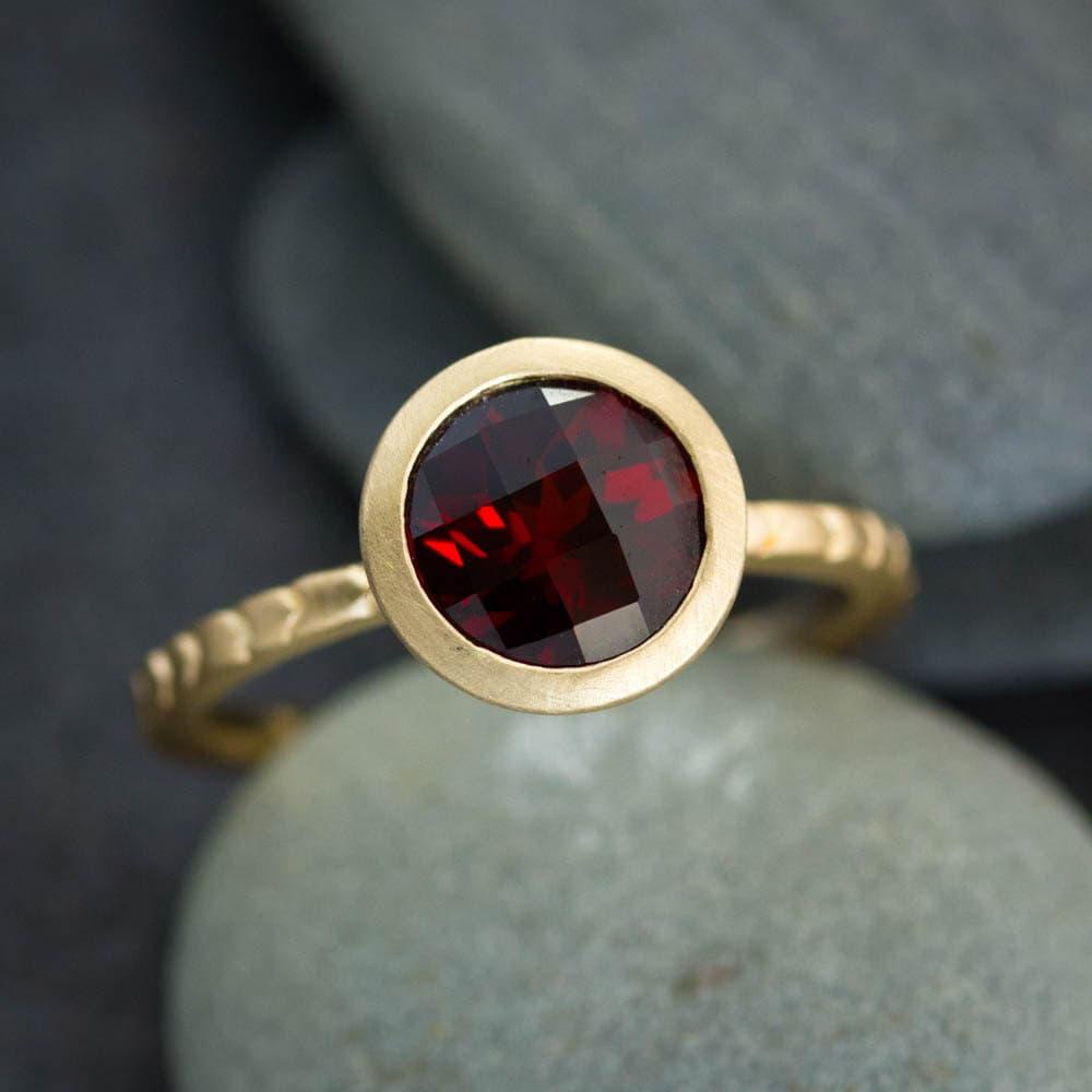 january birthstone garnet ring red garnet solitaire ring. Black Bedroom Furniture Sets. Home Design Ideas