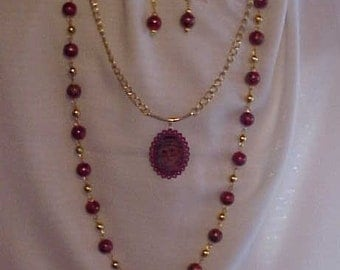 DOUBLE STRAND SANTA Necklace with Matching Earrings~~Santa face photo charm~~Red Glass Beads~~Gold-Tone Chain and Findings~Holiday Jewelry