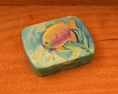 Vintage Decorative Tin Pill Box, Collectible Vintage Pill Box,1pc
